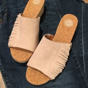 ❌Just Added❌ UGG Mule Sandals Size 8.5